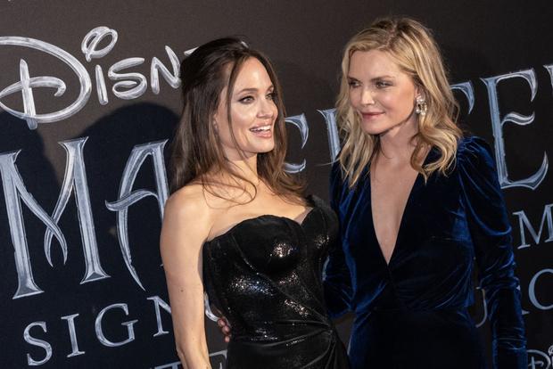 Джоли без фотошопа выглядит настоящей старушкой