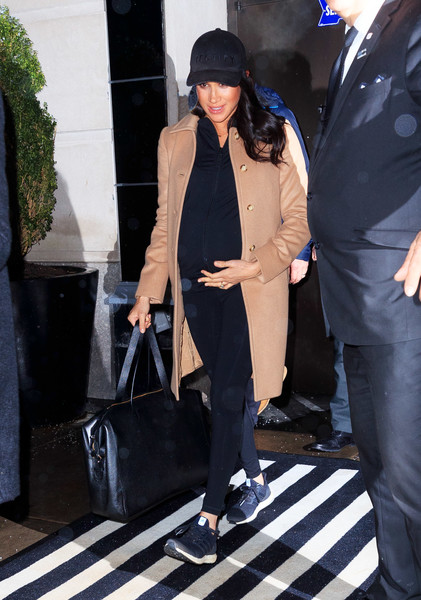 Фото №6 - Стиль беременной Маркл: пальто из секонд-хенда