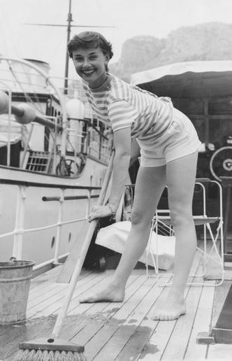 Фото №27 - Моя прекрасная леди: 15 модных уроков, которые сделали Одри Хепберн иконой стиля