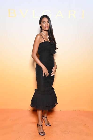 Фото №3 - Что общего у Тины Кунаки и Моники Беллуччи? Итальянские корни и любовь к черным корсетным платьям