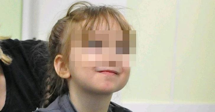 Фото №1 - «Видела посторонних— плакала и тряслась»: как сейчас живет маленькая Саша, которая шесть лет прожила в госпитале Лапино