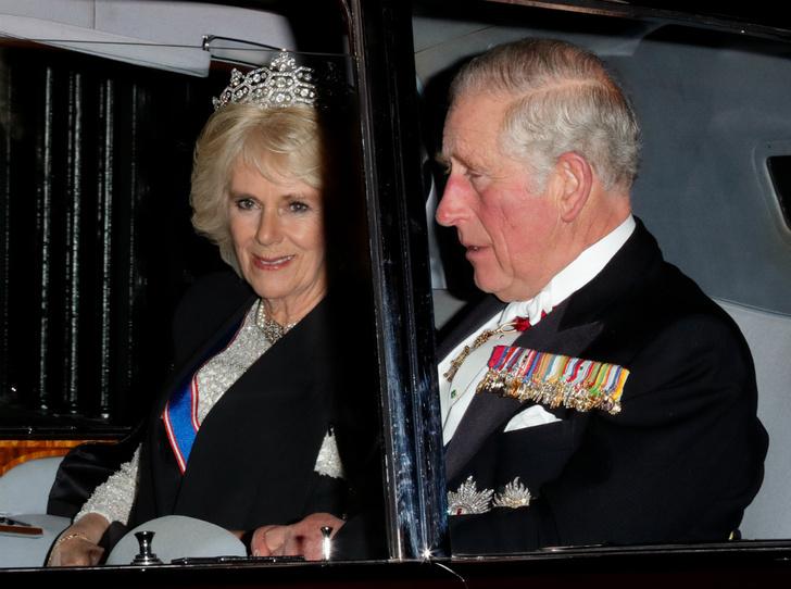 Фото №1 - Какой титул получит Камилла после коронации Чарльза (и почему она все же не будет королевой)