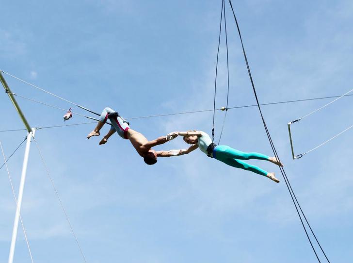 Фото №1 - В Парке Горького открылась летняя цирковая школа  «Трапеция Актуаль»