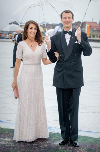 Фото №27 - Забавы королевского двора: самые интересные моменты юбилея Харальда и Сони