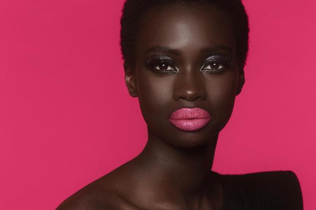 Фото №2 - Из матового в блестящий: блески для губ, которые меняют эффект при поцелуе