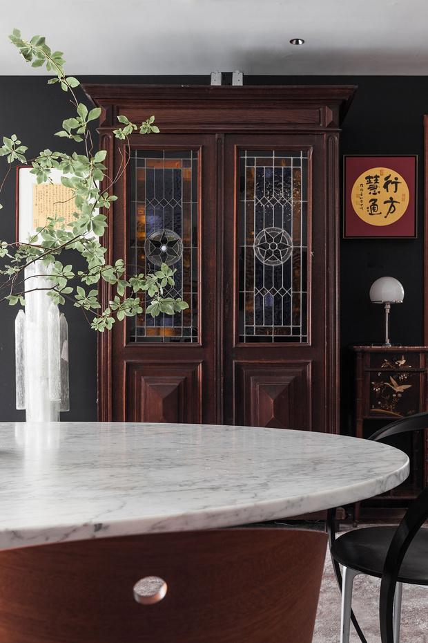 Фото №6 - Эклектичная квартира с винтажной мебелью в Шанхае