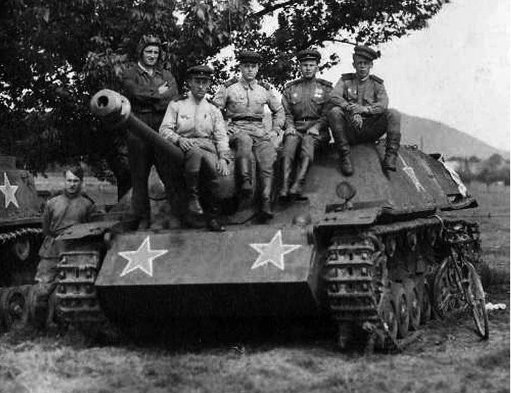 Фото №8 - Что немцу хорошо, то и Красной армии подойдет— танки вермахта с красными звездами