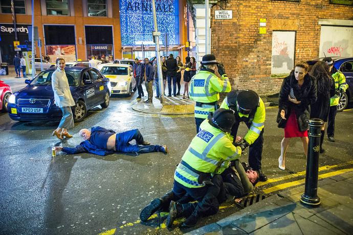 Фото №2 - 9 курьезных историй, приключившихся с очень пьяными людьми