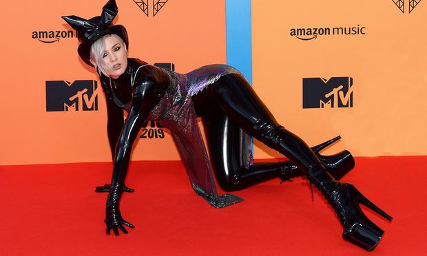 Фото №1 - Украинская певица Maruv получила награду MTV как «лучший российский исполнитель»