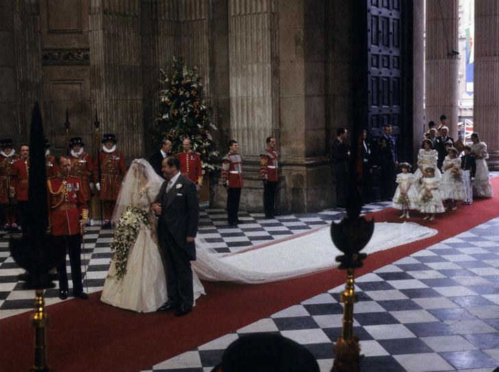Фото №2 - Трагедия невесты: о ком на самом деле думала Диана на своей свадьбе