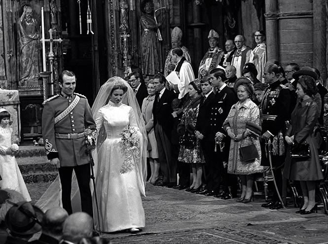 Фото №21 - Первая свадьба принцессы Анны: как выходила замуж дочь Елизаветы II