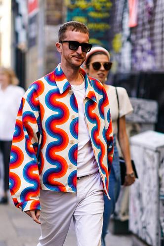 Фото №9 - Снимите немедленно: главные антитренды мужского гардероба