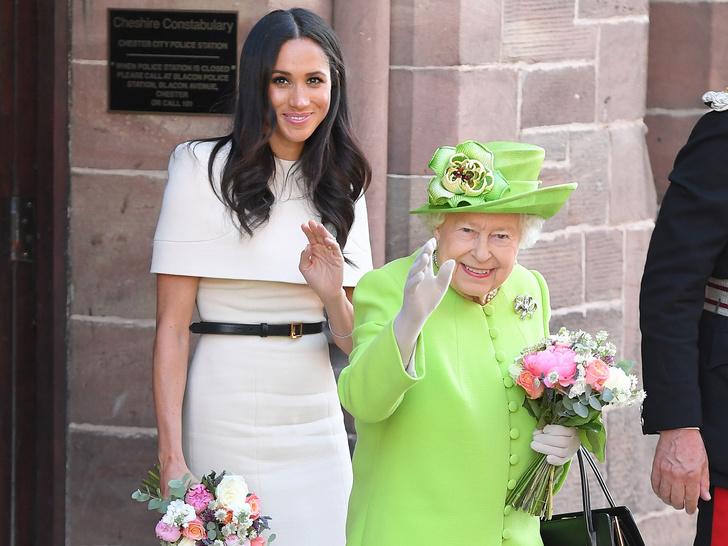 Фото №2 - Неожиданная причина, почему Королева все еще не лишила Меган титула