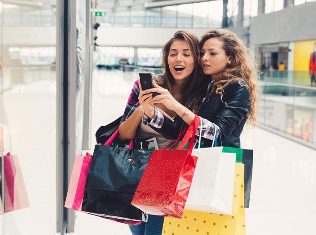 Фото №2 - Эффект FOMO: как нас заставляют покупать то, что нам не нужно