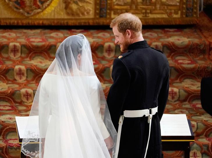 Фото №3 - Самые трогательные моменты королевских свадеб (о Гарри и Меган мы тоже не забыли)
