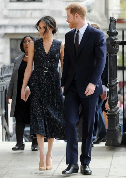 Фото №12 - Отвлекающий маневр: Меган Маркл и принц Гарри снова в центре внимания
