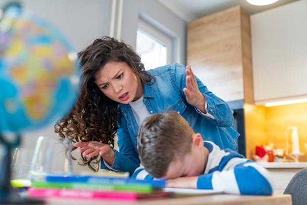 Фото №2 - Приучаем ребенка делать уроки самостоятельно