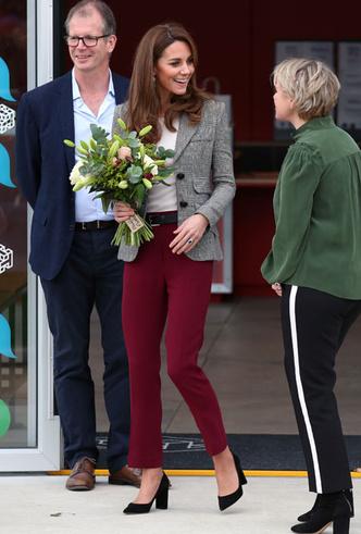 Фото №4 - Самые стильные (и неожиданные) выходы герцогини Кейт в брюках