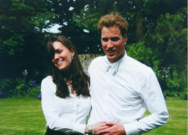 Фото №2 - Кейт Миддлтон и принц Уильям вернулись в город Сент-Эндрюс, где когда-то начался их роман