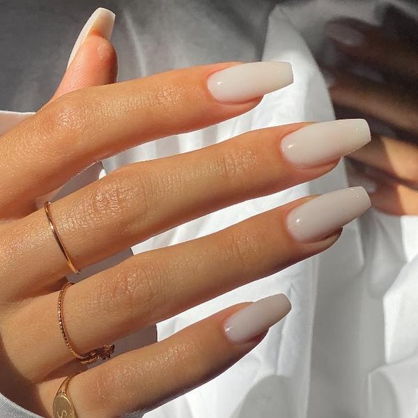 Фото №2 - Какая форма ногтей в тренде этой осенью: 12 идей для стильного маникюра