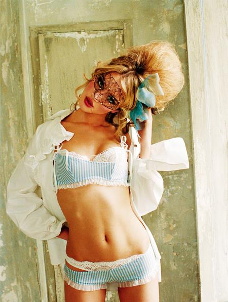 Фото №2 - Фото из модной книги «Перья и кружева»