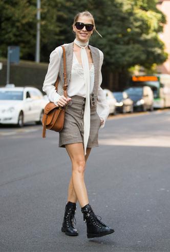 Фото №10 - Резкие и дерзкие: как носить грубые ботинки в разных стилях
