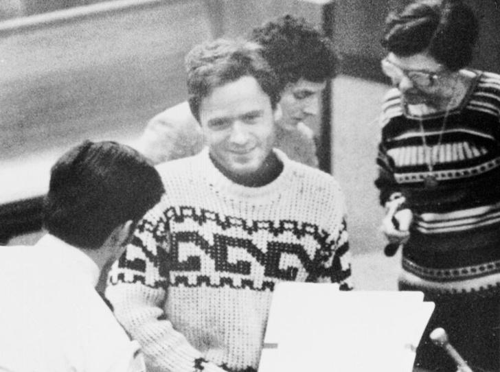 Фото №2 - Чистое зло: история Теда Банди— «самого красивого серийного убийцы Америки»