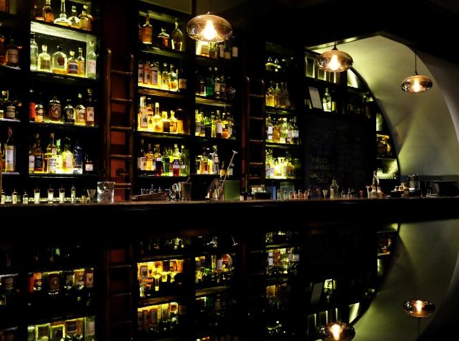 Фото №2 - Лучшие бары Сингапура