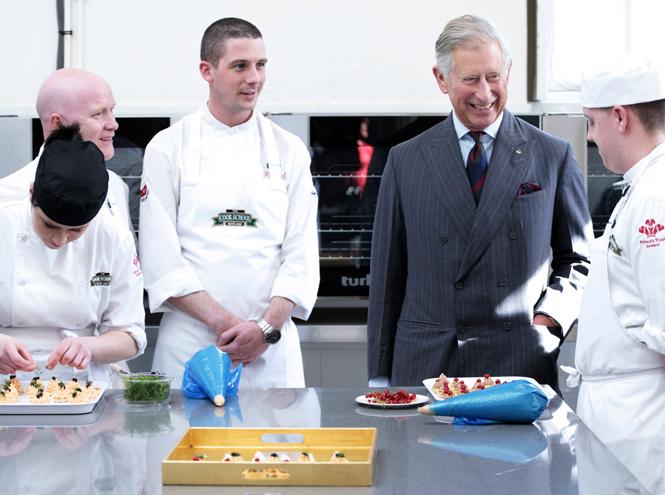 Фото №2 - Королевский обед: любимые рецепты Елизаветы II, Чарльза, Кейт и других Виндзоров