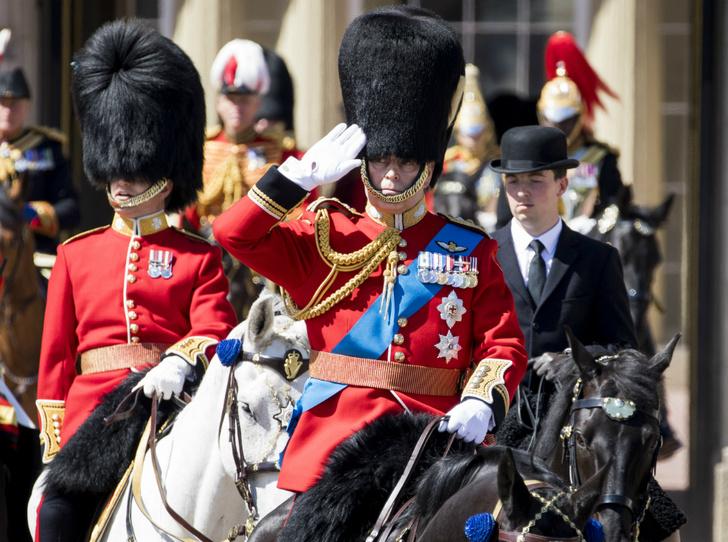 Фото №3 - Принцу Эндрю запрещено присутствовать на параде в честь дня рождения королевы