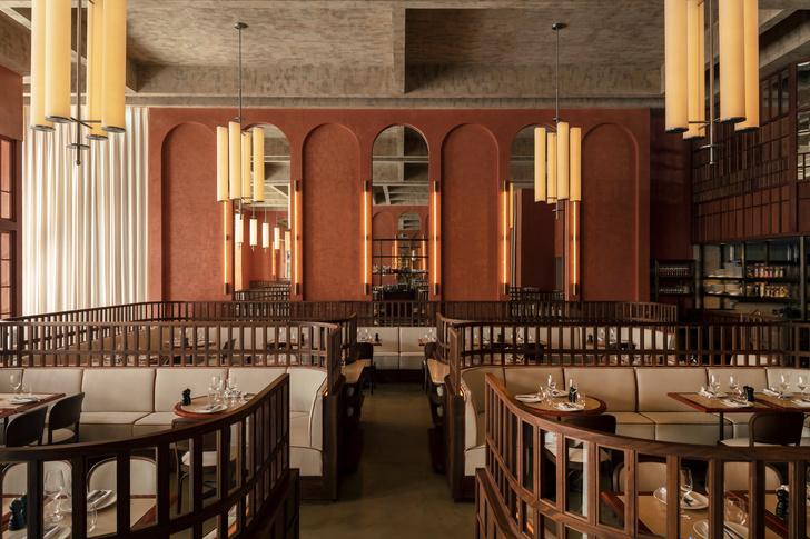 Фото №1 - Декадентский интерьер ресторана в Лондоне