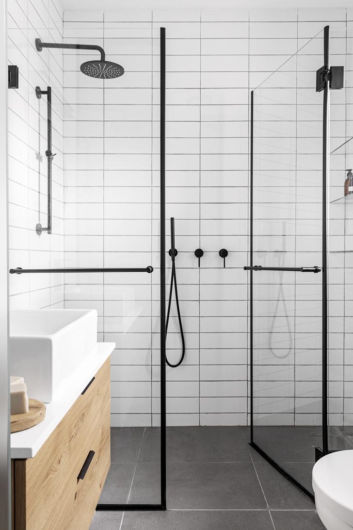 Фото №1 - Как обновить ванную комнату без ремонта: 5 идей
