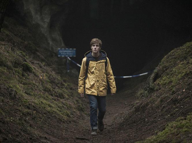 Фото №8 - Что смотреть этим летом: 10 лучших сериалов сезона
