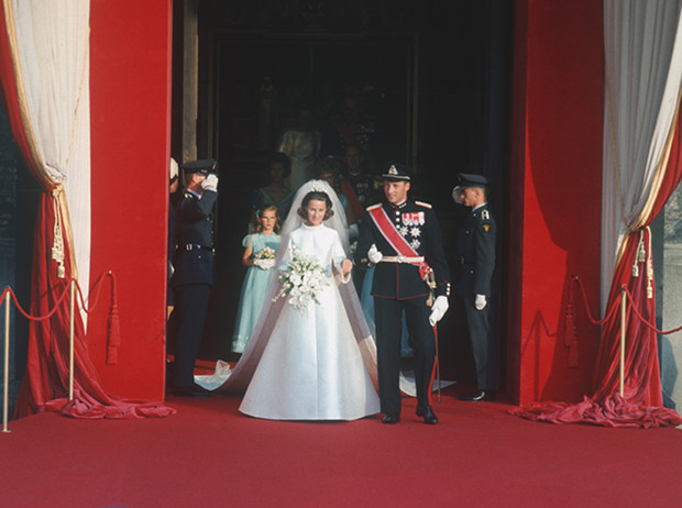 Фото №3 - Как простолюдинки спасли европейские монархии от краха