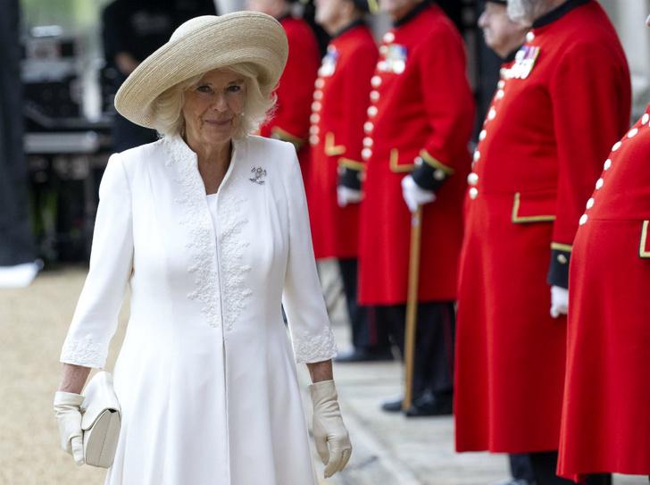 Фото №1 - Неожиданные средства, с помощью которых герцогиня Камилла борется со старением