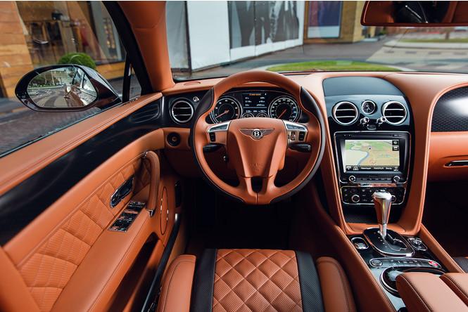 Фото №10 - Cамый быстрый четырехдверный Bentley в истории — Flying Spur W12 S