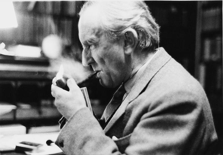Фото №3 - Никогда не поздно: 7 всемирно известных писателей, дебютировавших в зрелом возрасте