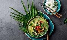 Бульон по-тайски с огурцом и креветками