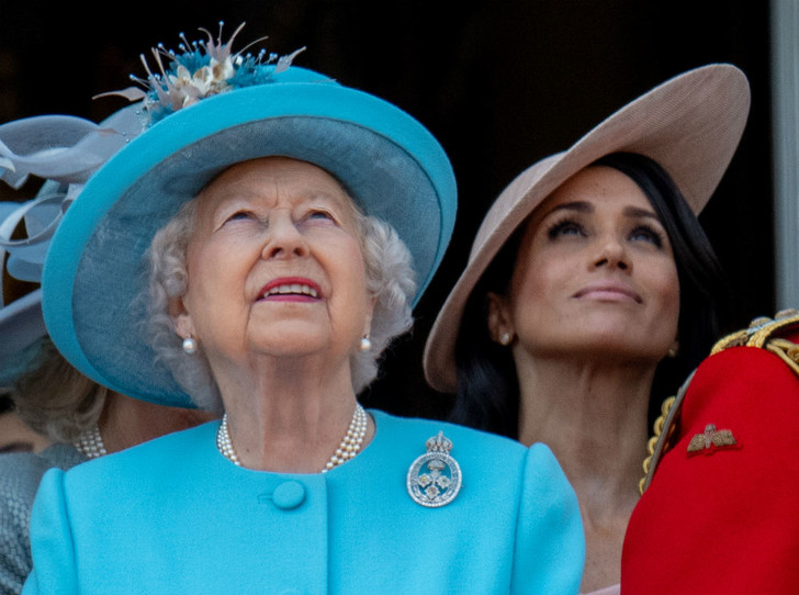 Фото №2 - Меган Маркл сможет называть королеву «мамой» (но это не то, о чем вы подумали)
