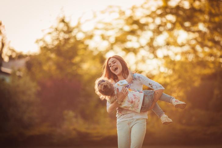 Фото №1 - Доход женщины зависит от возраста, в котором она становится мамой