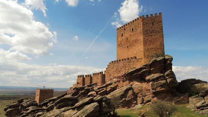 Фото №1 - Названы самые популярные места Испании среди поклонников «Игры престолов»