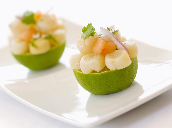 Фото №3 - Что едят шеф-повара: салат с папайей, креветками и маринованным корнем лотоса