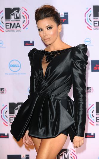 Фото №8 - Премия MTV EMA: лучшие звездные образы за всю историю