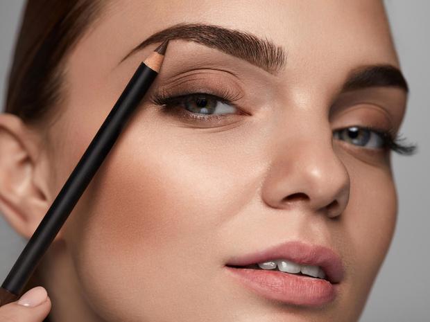 Фото №10 - Полный гид по макияжу бровей: средства, техники и частые ошибки