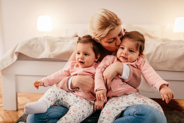 Фото №3 - Почему вынашивать близнецов очень опасно: риски для мамы и малышей