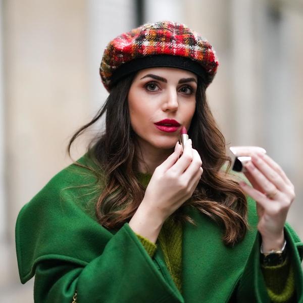 Фото №1 - Модные шапки осень-зима 2021 💙