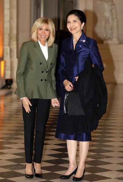 Фото №17 - Как выглядит Брижит Макрон на фоне других Первых леди