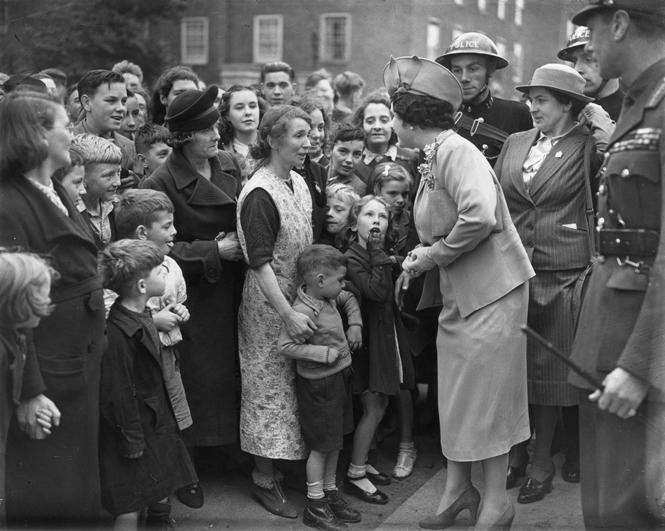 Фото №14 - Улыбчивая королева: 8 самых любопытных фактов о прабабушке принца Уильяма