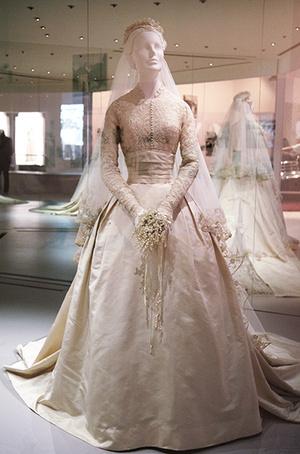 Платье Грейс в музее.