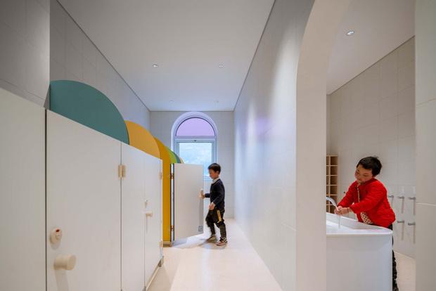 Фото №7 - Детский сад в форме торта, который может менять цвета: фото